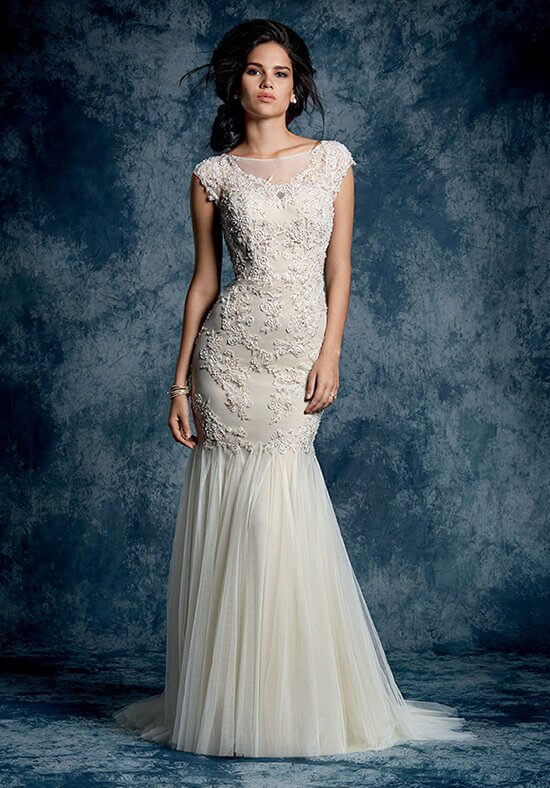 12 Sapphire Alfred Angelo 2015 897