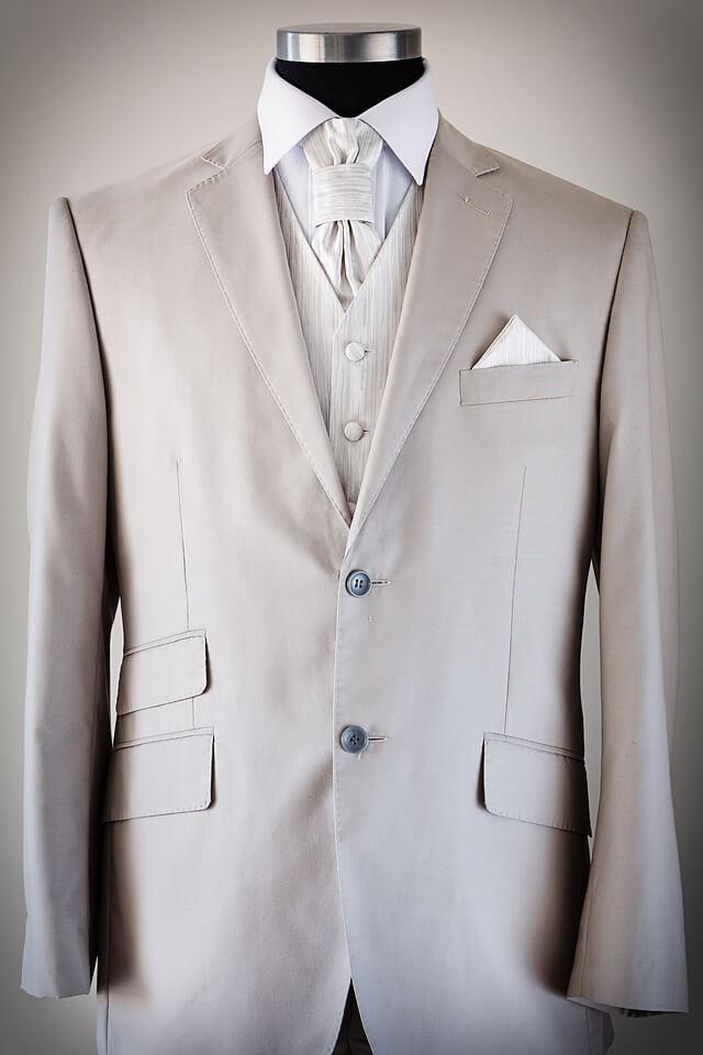 Beige slim cut suit 012