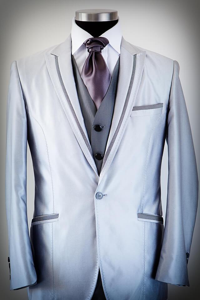 Light Grey suit dark grey trim lapel 006