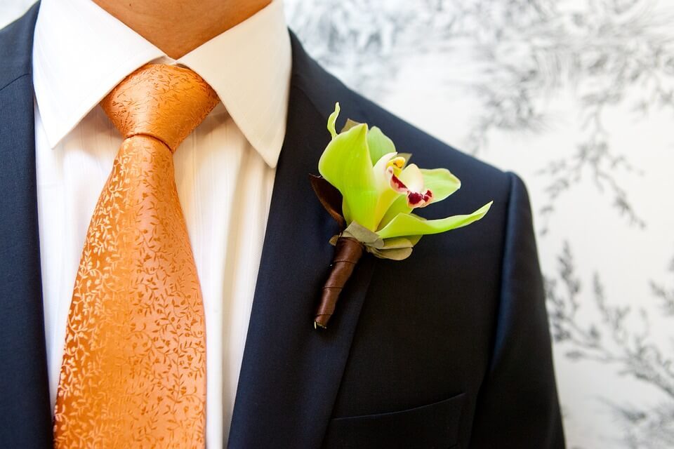 Bold tie for Groom